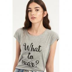 T-shirt What to wear - Jasny szar. Szare t-shirty damskie Sinsay, l. Za 9,99 zł.