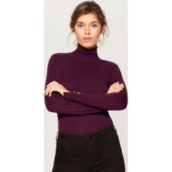 Golfy damskie: Gładki sweter z golfem - Bordowy