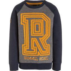 Hummel GARETH CREWNECK Bluza blue nights. Szare bluzy chłopięce marki Hummel, z bawełny. W wyprzedaży za 126,75 zł.