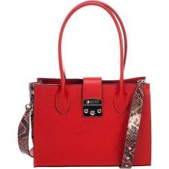 Torebki klasyczne damskie: Skórzana torebka w kolorze czerwonym – (S)31 x (W)42 x (G)13 cm