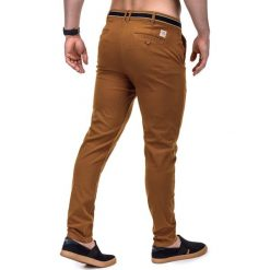 SPODNIE MĘSKIE CHINO P156 - RUDE. Brązowe chinosy męskie marki Ombre Clothing, z aplikacjami, z bawełny. Za 59,00 zł.