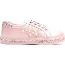 Różowe Buty Sportowe Uncouple. Czerwone buty sportowe dziewczęce marki Born2be, z materiału, z okrągłym noskiem, na zamek. Za 59,99 zł.