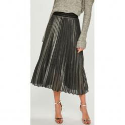 Answear - Spódnica Night Fever. Szare spódniczki plisowane damskie marki ANSWEAR, s, z materiału, midi. Za 129,90 zł.