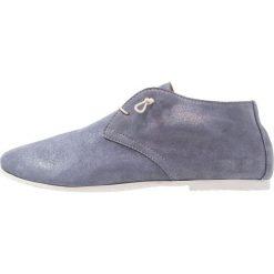 Donna Carolina Sznurowane obuwie sportowe polvere jeans. Niebieskie buty sportowe damskie Donna Carolina, z jeansu. Za 629,00 zł.