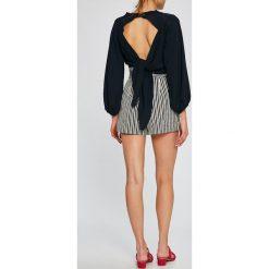 Answear - Szorty Stripes Vibes. Szare bluzki z odkrytymi ramionami ANSWEAR, l, z bawełny, casualowe. Za 99,90 zł.