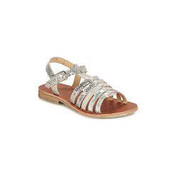 Sandały Dziecko  GBB  BANGKOK. Czerwone sandały dziewczęce marki Born2be, z materiału, z otwartym noskiem, na zamek. Za 194,25 zł.