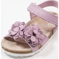Next FLOWER YOUNGER GIRLS Sandały purple. Fioletowe sandały chłopięce marki Next, z materiału. Za 149,00 zł.