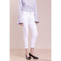 Citizens of Humanity ROCKET CROPPED HIGH RISE Jeansy Slim Fit optic white. Białe rurki damskie Citizens of Humanity. Za 969,00 zł.