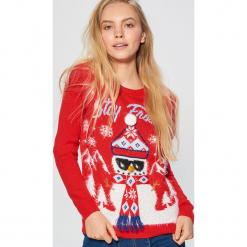 Świąteczny sweter - Czerwony. Czerwone swetry klasyczne damskie Cropp, l. Za 89,99 zł.