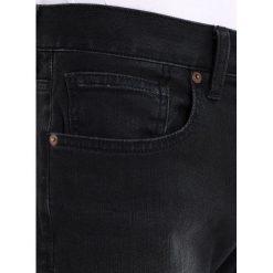 Armani Exchange Jeansy Straight Leg black denim. Czarne jeansy męskie marki Armani Exchange, l, z materiału, z kapturem. W wyprzedaży za 370,30 zł.