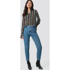 NA-KD Jeansy Raw Waist - Blue. Zielone jeansy damskie marki Emilie Briting x NA-KD, l. Za 202,95 zł.