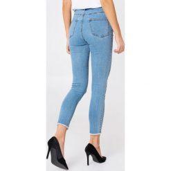 NA-KD Jeansy z wysokim stanem - Blue. Niebieskie jeansy damskie NA-KD, z podwyższonym stanem. Za 161,95 zł.