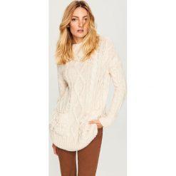 Sweter z kieszeniami - Kremowy. Białe swetry klasyczne damskie Reserved, l. Za 139,99 zł.