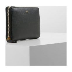 Lancel ENVELOPPE CONTINENTAL  Portfel black. Czarne portfele damskie marki Lancel. Za 989,00 zł.