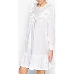 Bielizna damska: Koszula nocna, tkanina plumetis i falbanki