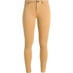 Denim is Dead OATH  Jeans Skinny Fit pale apricot. Brązowe boyfriendy damskie Denim is Dead. W wyprzedaży za 350,10 zł.