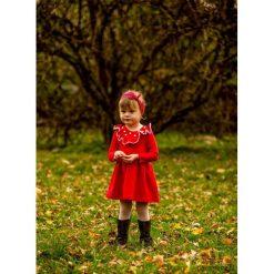 Sukienka z pomponikami Melanie Red. Czerwone sukienki dziewczęce marki Pakamera, w koronkowe wzory, z bawełny. Za 135,00 zł.