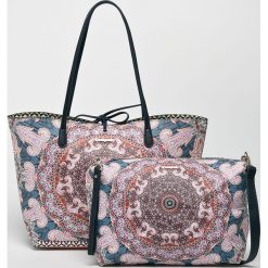 Desigual - Torebka dwustronna. Szare torebki klasyczne damskie marki Desigual, z materiału, duże. Za 349,90 zł.