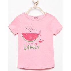 T-shirt z nadrukiem - Różowy. Białe t-shirty chłopięce z nadrukiem marki Reserved, l, z dzianiny. Za 29,99 zł.
