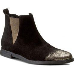 Sztyblety CARINII - B3675 H93-000-PSK-B50. Czarne buty zimowe damskie Carinii, z materiału, na obcasie. W wyprzedaży za 219,00 zł.