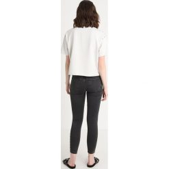T-shirty damskie: AllSaints SIMMI Tshirt z nadrukiem ivory white
