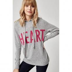Kaszmirowy sweter w kolorze szarym. Szare swetry klasyczne damskie marki Reserved, m, z kapturem. W wyprzedaży za 434,95 zł.