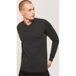 Sweter basic - Czarny. Szare swetry klasyczne męskie marki bonprix, l, melanż. Za 69,99 zł.
