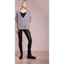 Topy damskie: Bruuns Bazaar BECCA STRAP  Top black