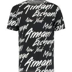 Armani Exchange Tshirt z nadrukiem black/italic. Czarne koszulki polo marki Armani Exchange, l, z materiału, z kapturem. Za 249,00 zł.