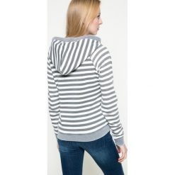 Review - Bluza. Szare bluzy z kapturem damskie marki Review, l, z tkaniny, z okrągłym kołnierzem. W wyprzedaży za 79,90 zł.