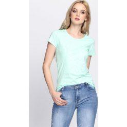 Miętowy T-shirt Typical. Zielone bluzki damskie Born2be, l. Za 34,99 zł.
