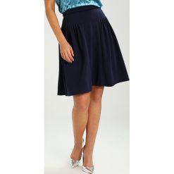 Spódniczki trapezowe: Lost Ink Petite PLEAT WAIST FULL SKIRT Spódnica trapezowa dark blue