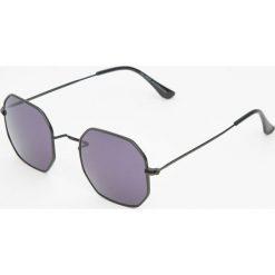 Ośmiokątne czarne okulary przeciwsłoneczne. Czarne okulary przeciwsłoneczne męskie aviatory Pull&Bear. Za 49,90 zł.