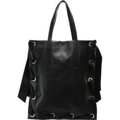 Topshop Torba na zakupy black. Czarne torebki klasyczne damskie Topshop. W wyprzedaży za 356,95 zł.