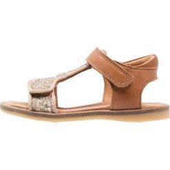 Bisgaard Sandały goldglitter. Żółte sandały chłopięce marki Bisgaard, z materiału. Za 379,00 zł.