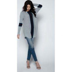 Tuniki damskie z długim rękawem: Szary Długi Sweter -Tunika z Kontrastowymi Paskami