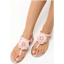 Różowe Sandały Tangle. Czerwone sandały damskie Born2be, na obcasie. Za 39,99 zł.