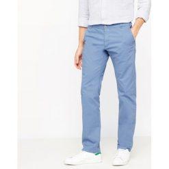 Spodnie chinosy krój slim. Szare chinosy męskie marki La Redoute Collections. Za 115,46 zł.