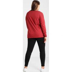 Bluzki asymetryczne: Zizzi BLOUSE Bluzka red pear