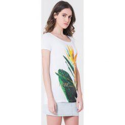T-shirty damskie: T-shirt w kolorze białym