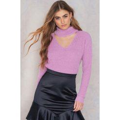 Swetry klasyczne damskie: Glamorous Sweter z dekoltem typu choker – Purple