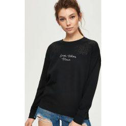 Bluzy damskie: Dzianinowa bluza z nadrukiem - Czarny