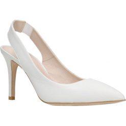 Czółenka SAVONA. Białe buty ślubne damskie Gino Rossi, w paski, ze skóry, na wysokim obcasie, na szpilce. Za 219,90 zł.