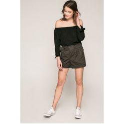 Morgan - Szorty. Szare szorty damskie marki Morgan, w paski, z elastanu, casualowe, z podwyższonym stanem. W wyprzedaży za 129,90 zł.
