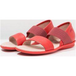 Camper RIGHT Sandały medium red. Czerwone sandały chłopięce Camper, z materiału. Za 269,00 zł.