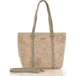 Torebka shopper z ażurem w kwiaty różowa ELEANOR. Czerwone shopper bag damskie marki Monnari, w ażurowe wzory. Za 169,00 zł.