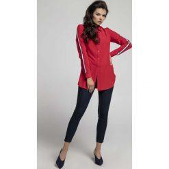 Czerwona Długa Koszula z Lampasem na Rękawie. Czerwone koszule damskie marki Molly.pl, l, z jeansu, biznesowe, z dekoltem na plecach, z długim rękawem. W wyprzedaży za 108,72 zł.