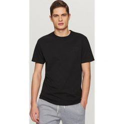 T-shirty męskie: T-shirt z aplikacją dream land – Czarny