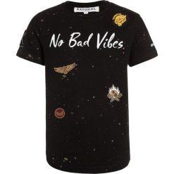 Kaporal RASH Tshirt z nadrukiem black. Czarne t-shirty męskie z nadrukiem Kaporal, z bawełny. Za 149,00 zł.