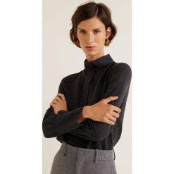 Mango - Bluzka Gris. Szare bluzki wizytowe Mango, l, z dzianiny, eleganckie, z golfem, z krótkim rękawem. Za 119,90 zł.